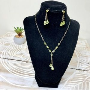 Green Necklace and Drop Earrings Set GUC